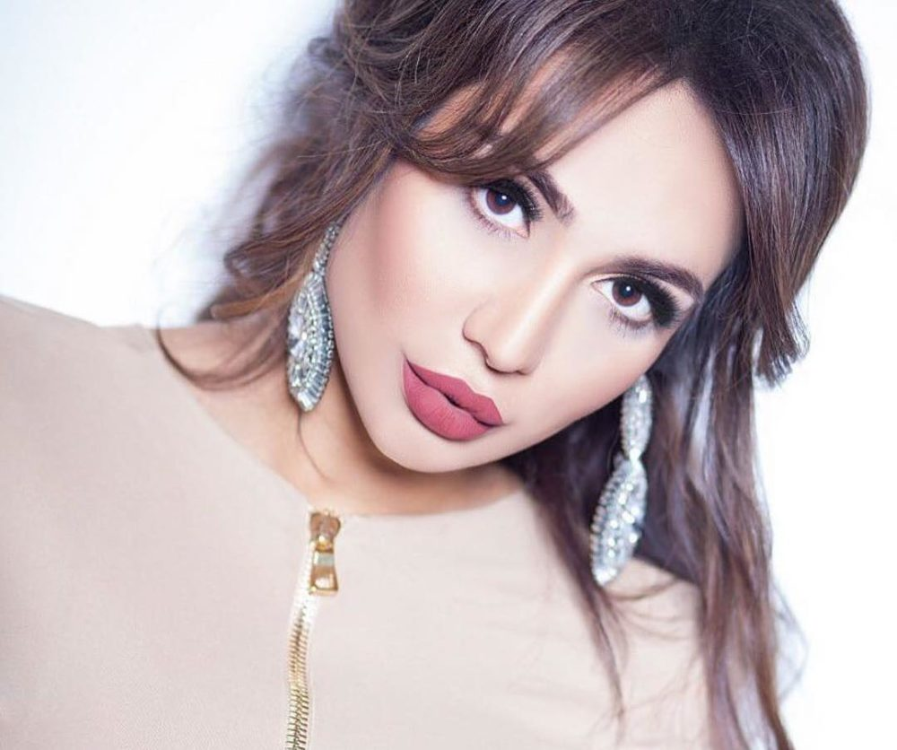 найти такую фото узбекской певицы рухшоны скребками погруженными состоянии