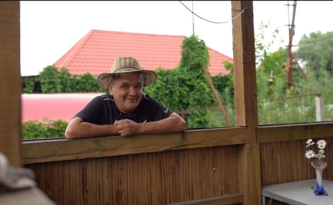 Серега Кишкоблуд в шляпе