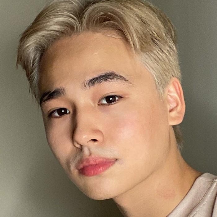 Влад Хошин перекрасил волосы фото