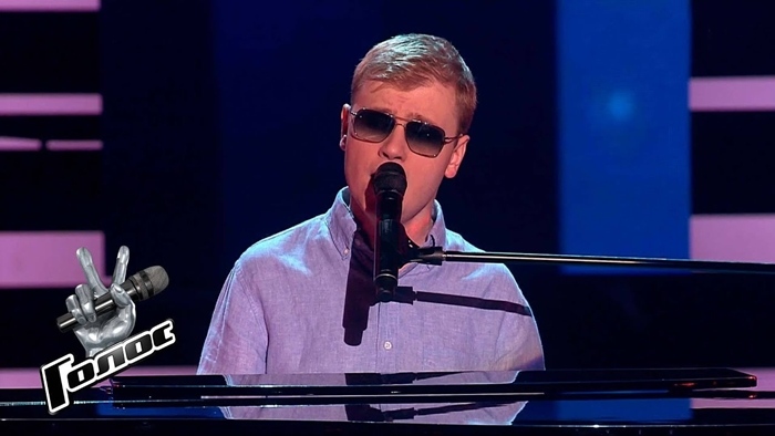 Олег Аккуратов на шоу голос