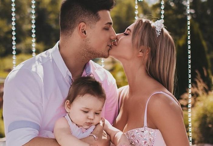 Ольга Нечаева фото с семьей