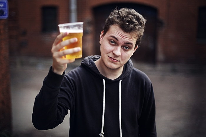 Юрий Хованский с пивом