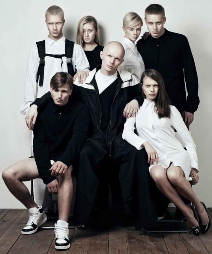 Гоша Карцев с моделями