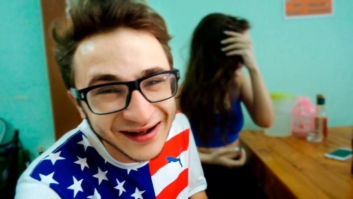 Эльдар Джарахов в одном из видео