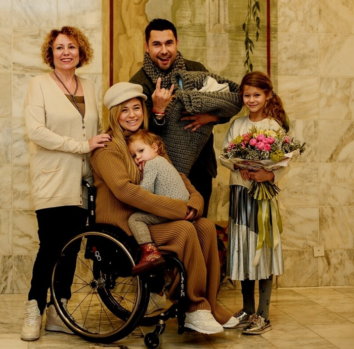 Ксения Безуглова с семьей