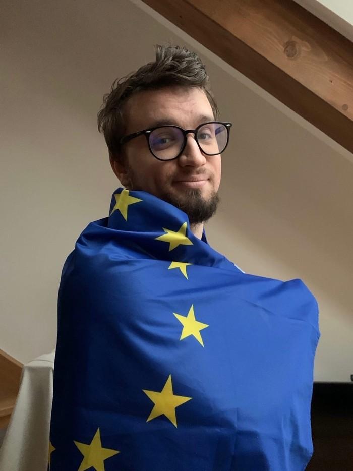 Игорь Линк фото с флагом