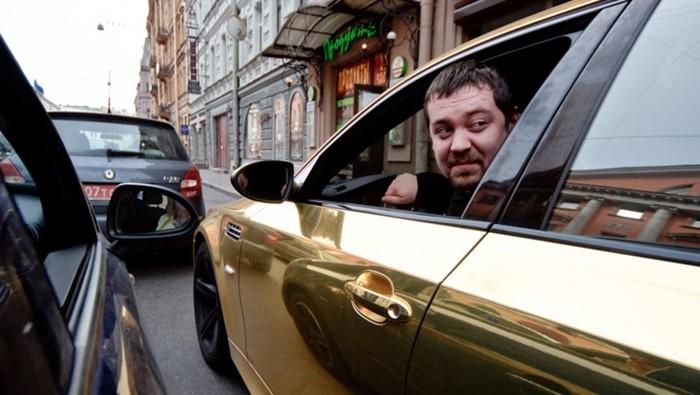 Эрик Давидыч в машине