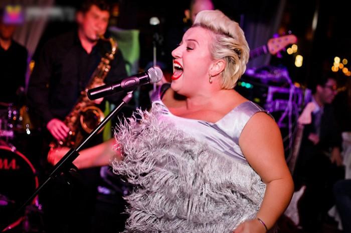 Теона Контридзе поёт