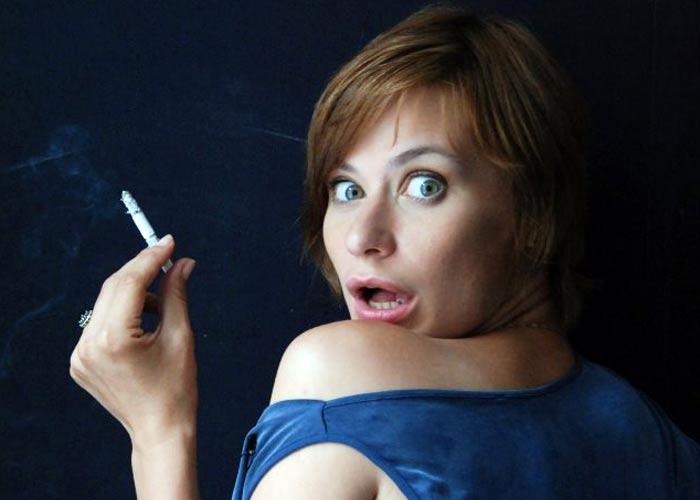 Людмила Халилуллина с сигаретой