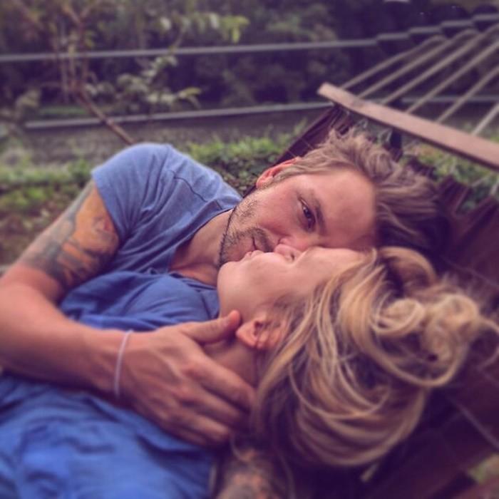 Максим Аплин с женой на отдыхе