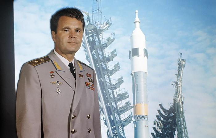 Владимир Шаталов