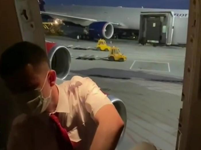Владимир Кузнецов борт самолёта